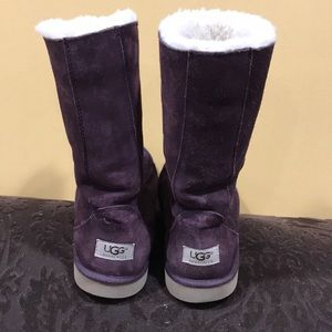 Women's UGG  Boot size 9